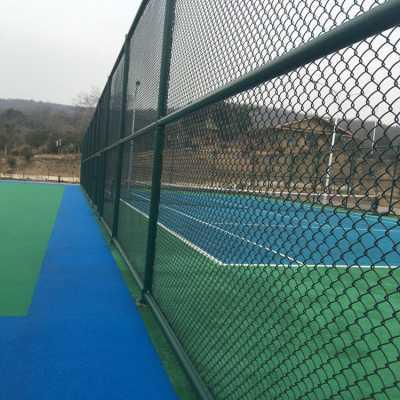 霍州勾花护栏网体育场围网篮球场围栏网款式多样